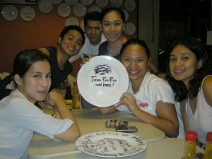 pose muna while making a new plate