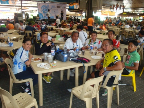 post-ride lunch at Tiedesitas